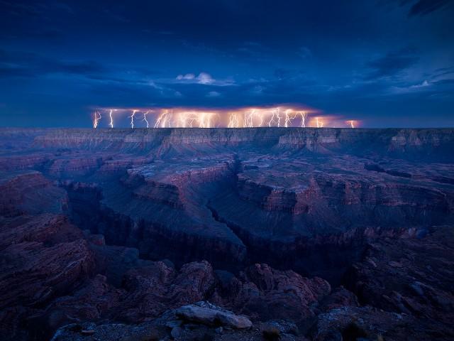 lightning canyons